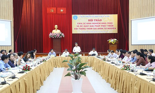Phó Tổng Giám đốc BHXH Việt Nam phát biểu tại Hội thảo