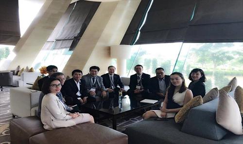 Đoàn công tác gặp gỡ và làm việc với các khách hàng chiến lược của Hapro tại Hội nghị