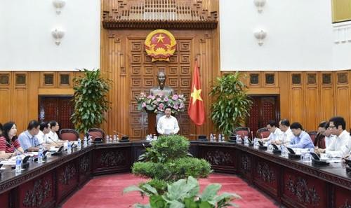 Phó Thủ tướng Phạm Bình Minh chủ trì cuộc họp với các Bộ, ngành liên quan về công tác chuẩn bị, tổ chức Hội nghị Diễn đàn Kinh tế thế giới về ASEAN