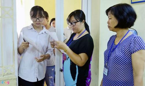 Học sinh thi vào lớp 10 ở Hà Nội năm 2018