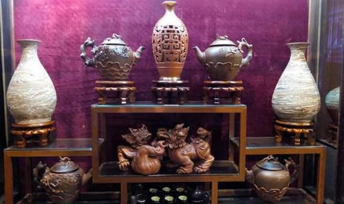 Sản phẩm gốm sứ Bát Tràng tại buổi trưng bày