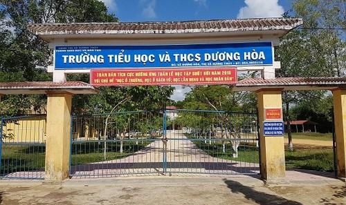 Hội đồng kỷ luật thị xã Hương Thủy đã quyết định buộc thôi việc ông Nguyễn Xuân Hợp- Hiệu trưởng trường Tiểu học& THCS Dương Hòa