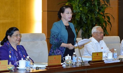Chủ tịch Quốc hội Nguyễn Thị Kim Ngân phát biểu khai mạc Phiên họp thứ 14 của UBTVQH.
