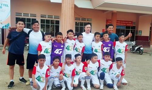 """Đội bóng U11 Lộc An đang cần sự giúp đỡ của mọi người để tham dự Vòng chung kết """"Giải bóng đá Thiếu niên và Nhi đồng toàn quốc"""" năm 2018."""