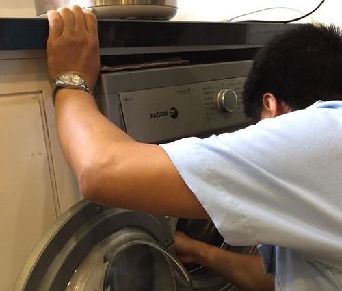Máy giặt Fagor mới dùng 4 năm đã bị gãy trục