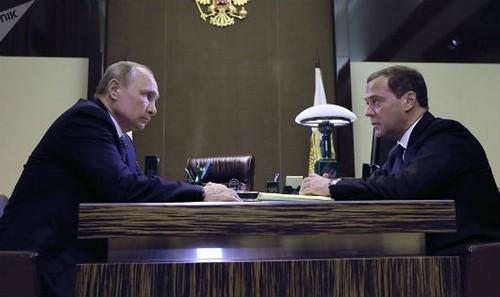 Tổng thống Nga Putin và Thủ tướng Medvedev.