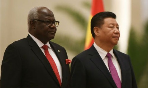Cựu Tổng thống Sierra Leone Koroma và Chủ tịch Trung Quốc Tập Cận Bình