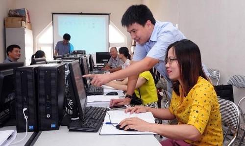 Cán bộ ngành thuế tỉnh Vĩnh Phúc thường xuyên học tập để nâng cao năng lực