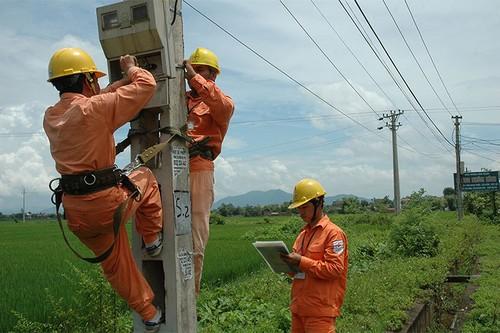Nhờ có sự phối hợp nhịp nhàng, Tổng công ty điện lực miền Bắc rút ngắn thêm thời gian cấp điện