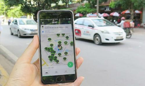 Đến thời điểm hiện tại, Bộ GTVT đã cấp phép thí điểm hoạt động cho loại hình taxi công nghệ với tên gọi xe hợp đồng ứng dụng công nghệ cho 7 đơn vị