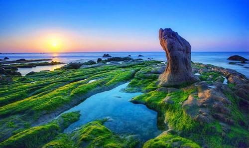 Bãi đá bảy màu