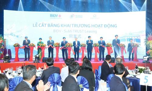 Với việc khai trương Công ty cho thuê tài chính liên doanh đầu tiên tại Việt Nam, thị trường cho thuê tài chính Việt Nam có 12 công ty