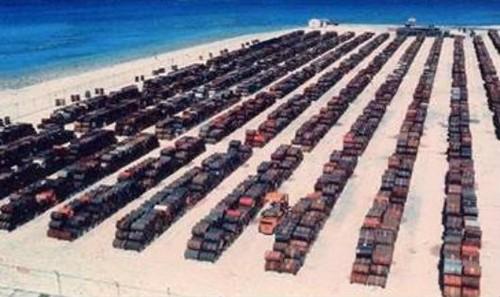 Các thùng chất độc da cam được tập kết trước khi vận chuyển sang Việt Nam