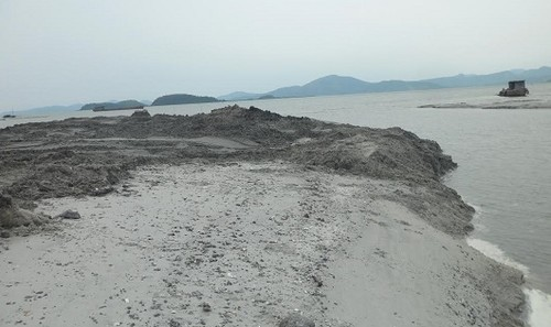 Bãi triều Quan Lạn: Dân lo lắng vì đào hút cát