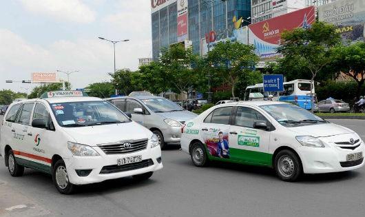 Grab, Uber cũng sẽ phải gắn mào như taxi truyền thống?