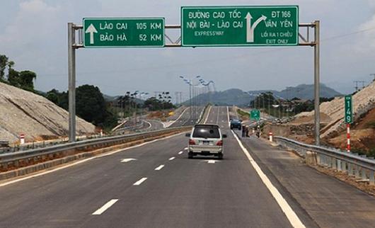 Lãnh đạo TCT Đầu tư phát triển đường cao tốc Việt Nam nói gì về việc bỏ tiền sửa lỗi của nhà thầu?