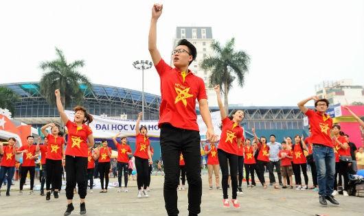"""1.500 người tham gia """"Nâng cao hình ảnh du khách Việt"""""""
