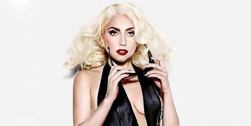 Lady Gaga bị cưỡng hiếp năm 19 tuổi