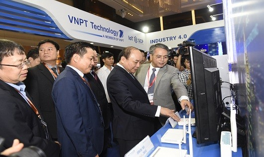 Nhiều giải pháp công nghệ 4.0 được trình diễn tại Industry Summit 2018
