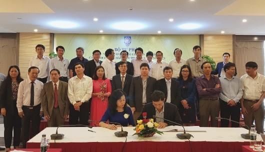 Khối cơ quan Tư pháp miền Trung - Tây Nguyên ký kết giao ước thi đua