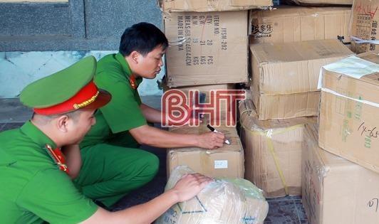 Công an Can Lộc bắt giữ lượng lớn hàng hóa không rõ nguồn gốc