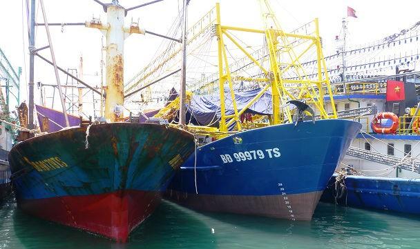 """Xử lý vụ 18 tàu cá gỉ sét: Liệu có """"đầu voi, đuôi chuột""""?"""