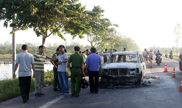 Khởi tố vụ giám đốc bị đốt chết trong xe hơi
