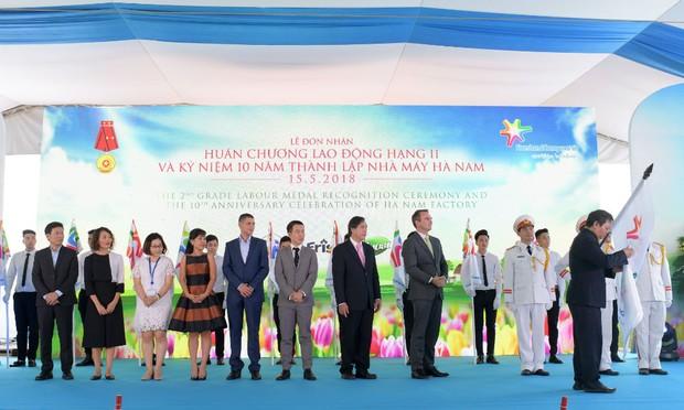 Friesland Hà Nam vinh dự nhận Huân chương Lao Động