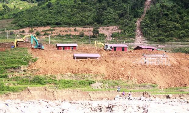 """Sau 10 năm mưa lũ sạt lở đất: Các dự án tái định cư vẫn """"dậm chân tại chỗ"""""""