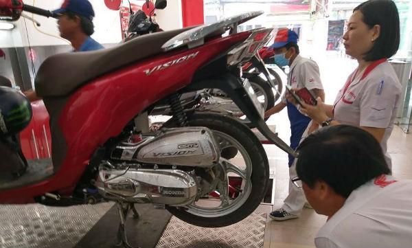 Honda Việt Nam bị dọa kiện vì không bảo hành xe Vision bị biến dạng vành