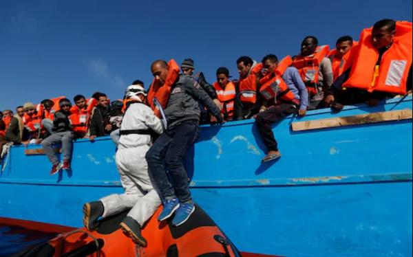 Tây Ban Nha cứu gần 500 người di cư trong một ngày