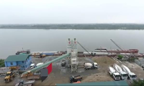"""Thái Bình: Ai """"chống lưng"""" cho trạm bê tông Xuân Chuyền 'lộng hành' trên đê sông Hồng?"""