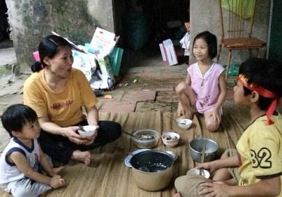 Bốn mẹ con trắng tay sau phiên tòa ly hôn