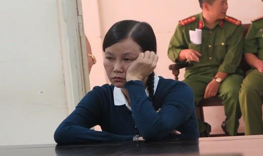 Lừa đảo chiếm đoạt tài sản, cựu cán bộ VKSND Tối cao lĩnh 18 năm tù