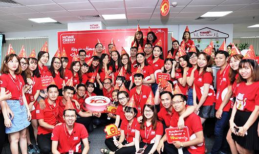 Home Credit Việt Nam và hành trình 10 năm hỗ trợ 10 triệu ước mơ thành hiện thực