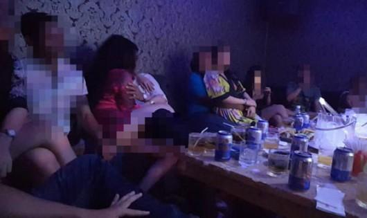 'Truy' trách nhiệm lãnh đạo nơi có 'nhà hàng thác loạn' tại TP HCM