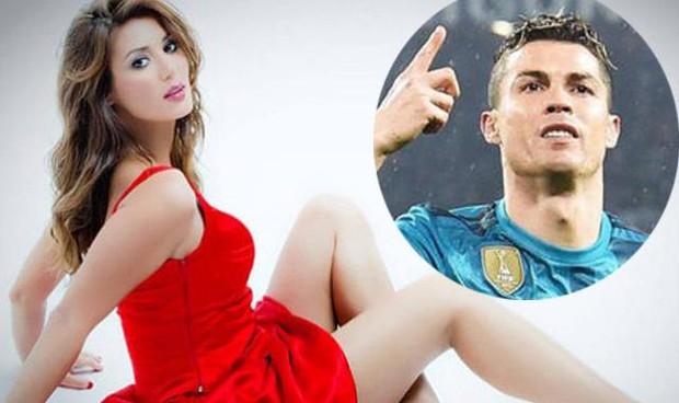 Người đẹp bức xúc 'trù ếm' Ronaldo vì nhận lương khủng 800 tỷ/năm