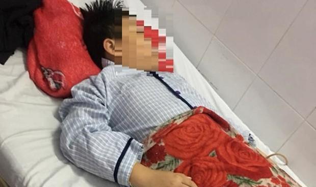 Nam sinh lớp 5 nghi bị ép nuốt 9 viên bi sắt, phải phẫu thuật, cắt ruột