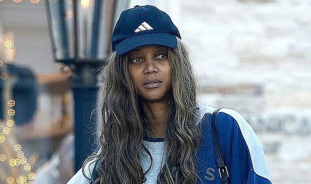 Choáng với mặt mộc của siêu mẫu Tyra Banks