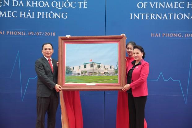 Chủ tịch Quốc hội Nguyễn Thị Kim Ngân dự lễ khai trương BV Vinmec Hải Phòng