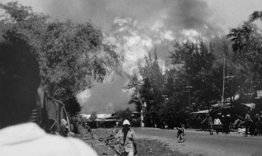 Những ngày cuối của Quân đội Việt Nam Cộng hòa (Bài 2): Ném chiến cụ, cướp tàu tháo chạy