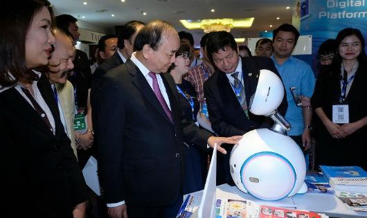 Thủ tướng Nguyễn Xuân Phúc: Nghĩ lớn nhưng bắt đầu từ những việc nhỏ nhất