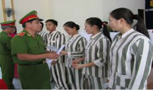 Thực hiện tha tù trước thời hạn có điều kiện: Thực hiện tốt công tác quản lý, giám sát, giáo dục và giúp đỡ