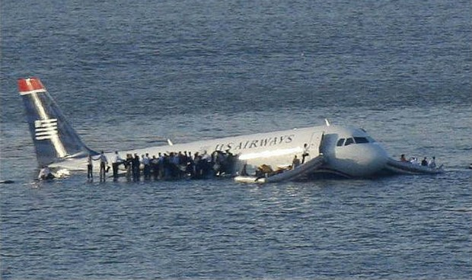 Những chiến dịch giải cứu nghẹt thở: Quyết định 'xuất thần' cứu mạng 150 hành khách máy bay
