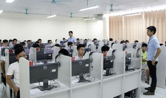 Từ năm 2021, thi trắc nghiệm trên máy tính có khả thi?