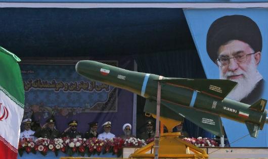 Quan hệ Mỹ - Iran: Chưa kịp hòa lại đã... chiến!