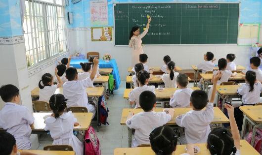 """Vấn đề giảng dạy sách Tiếng Việt CNGD: Hoang mang vì xem xét kiểu """"thầy bói xem voi"""""""