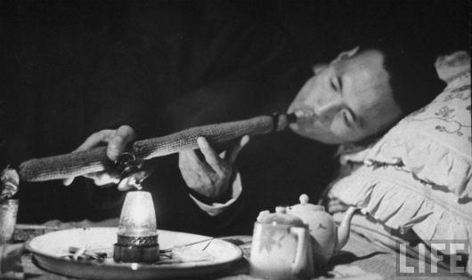 Thuốc phiện đã được thực dân mang vào đầu độc dân Đông Dương như thế nào?