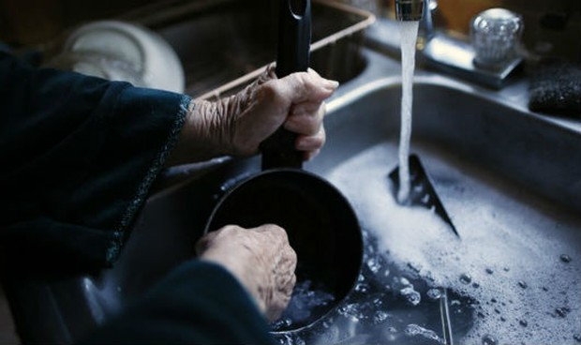 Cuộc sống người già ở Mỹ: Không có lương hưu, nhọc nhằn kiếm cơm tuổi xế chiều