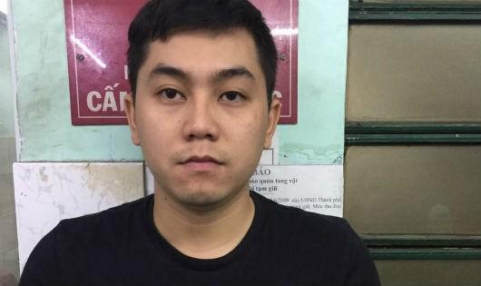 Nam thanh niên trộm 10.000 USD của vợ chồng Việt kiều